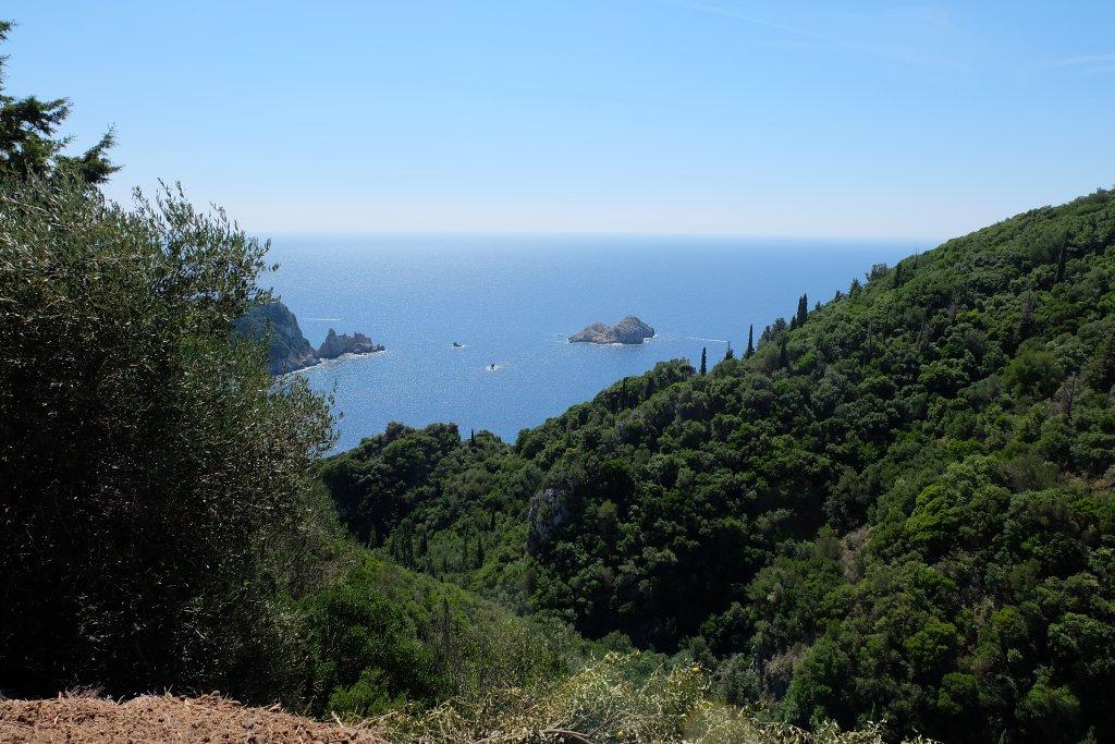 Корфу, Палеокастрица. По следам Одиссея горными тропами и морскими путями.